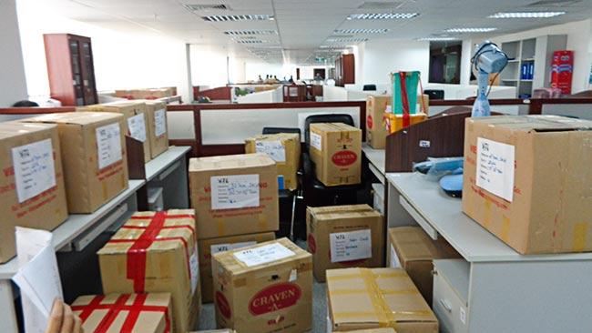 Đóng gói đồ đạc cồng kềnh khi chuyển văn phòng trọn gói